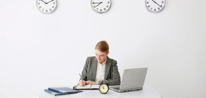 Kontor med mange ure