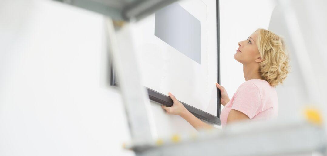Kvindelig indretningsekspert