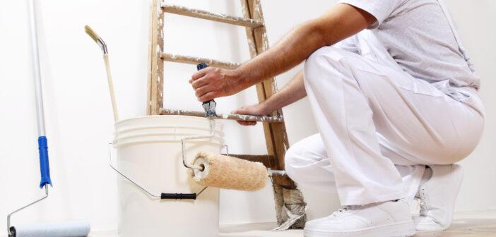 Maler på arbejde