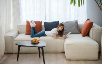 Sofaborde giver stuen kant